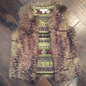 Mossimo Foe Fur Vest